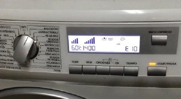 کد خطای E10 در لباسشویی الکترولوکس