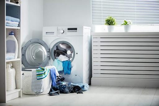 علت جمع شدن آب در لباسشویی خاموش چیست؟